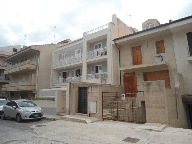 Appartamento con terrazzo e garage