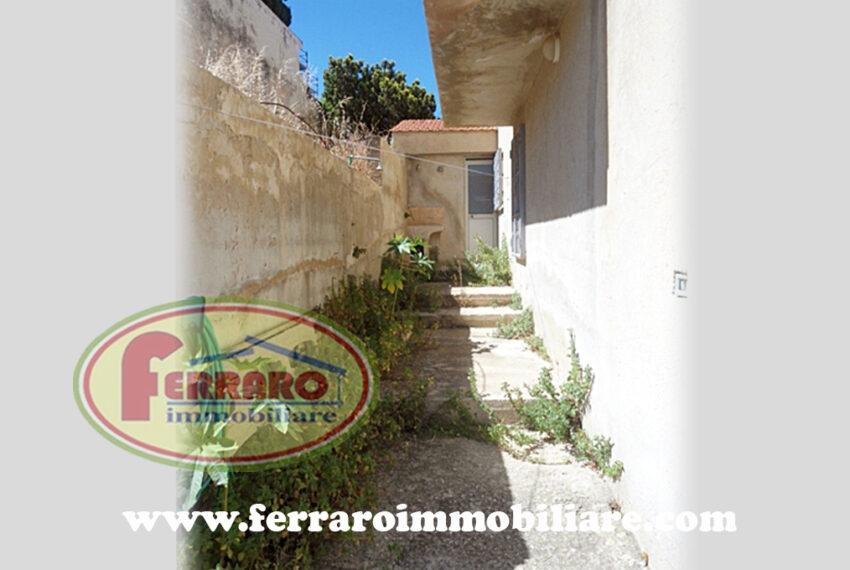 casa-singola-due-livelli-veranda-terrazzo-vicino-mare-via-francesca-da-rimini-cava-d'aliga-Scicli-ragusa-sicilia