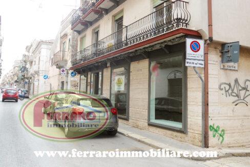 locale-commerciale-in-centro-via-mario-leggio-Ragusa-Sicilia