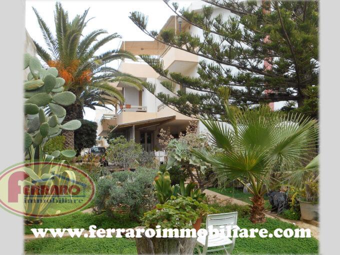 Casa singola con giardino